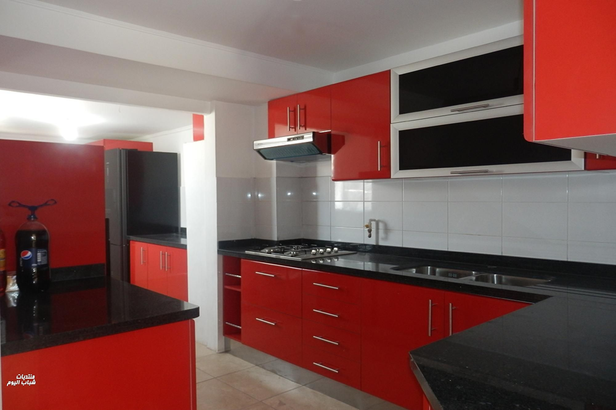 2018 2019 - Black red and white kitchen designs ...